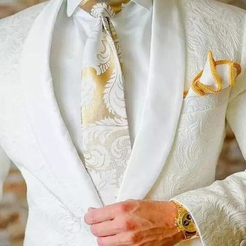 White Paisley tuxedos Printed wedding suits for men British style Mens suit slim fit Blazer Groomsman Suit  jacket+Pants