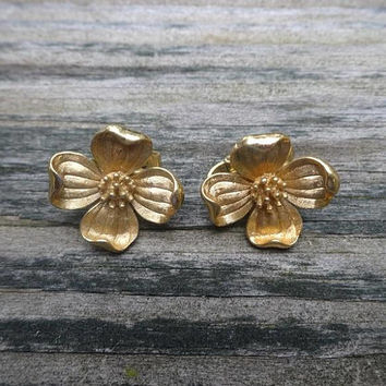 1960s Vintage Trifari Clip On Dogwood Earrings, Gold Tone, Vintage Costume Jewelry, Flower Earrings, Mid Century Fashion Jewelry, Accessory
