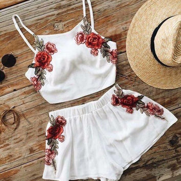 Embroidery Flower Fashion Shorts Strap Vest Set Two-Piece