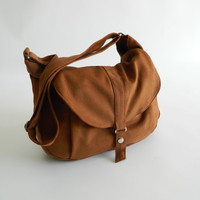 SALE - Kylie in cognac // Messenger / Diaper bag / Shoulder bag / Tote bag / Purse / Handbag / Hip bag / Women / For her