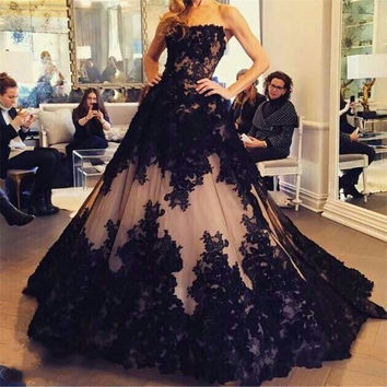 Amazinh Black Promotion Ball vestido de festa Nude PInk and Black Lace Sweeheart Long prom dress women