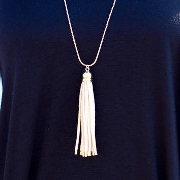 Tassel Time Necklace {Natural}