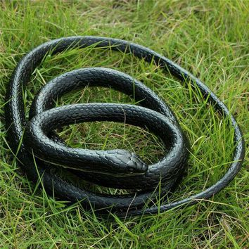 DCCKL72 52inchs Realistic Soft Rubber Toy Snake Safari Garden Halloween Props Joke Prank Gift Novelty and Gag Playing Jokes Toys