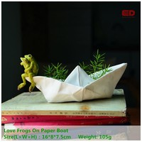 Everyday Collection Spring Garden Frog Resin Animal Gnome Statue Flowerpot Ornament Home Desk Fairy Decoration