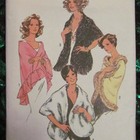 SALE Uncut 1970's Simplicity Sewing Pattern, 7003! One Size Shawls/Over Throw/Shoulder Blanket/Arts and Crafts/Clothing Accessory/Women's/Mi