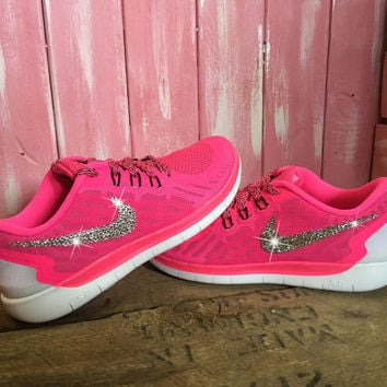 Blinged Girls  Womens Nike Free 5.0 Running Shoes Pink White Black  Customized With Swa cb275e455c6c