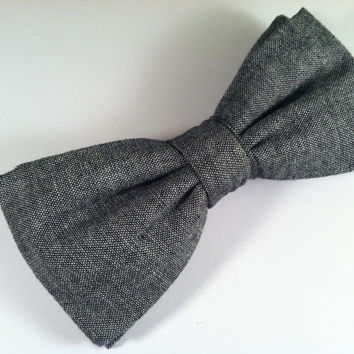 Mens/teen gray chambray, chunky clip on bow tie // Wedding, groomsmen bow tie