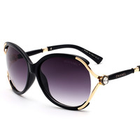 New Style Double C Brand Designer Sunglasses with Logo C Brand Crystal Flower Glasses Women Vintage Oversized Shades WH562