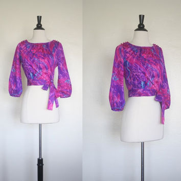 Vintage 60s Mod Blouse / Hawaiian Floral Crop by mousevoxvintage