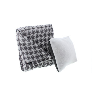 Cuddl Duds Plush Houndstooth Throw & Pillow Set