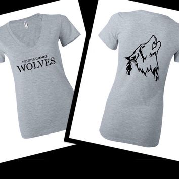 "Selena Gomez ""Wolves"" / Wolf Back Women's V-Neck T-Shirt"