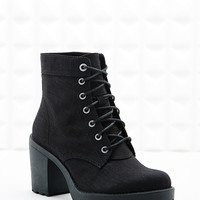 Vagabond Grace Lace-Up Canvas Boots in Black - Urban Outfitters