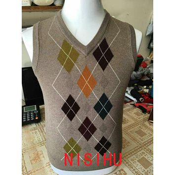 New design autumn 2017 mens fashion plaid cashmere sweater vest male casual v-neck sleeveless argyle sweater pullovers