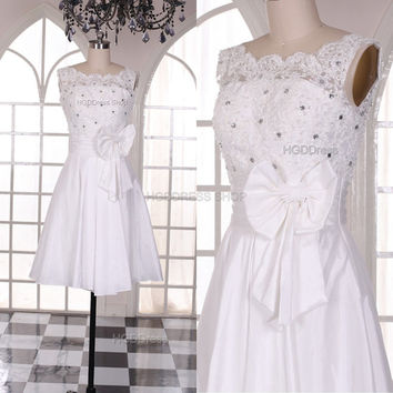 White Taffeta Prom Dress Short Simple Prom Dresses Lace Applique Evening Dress With Beaded Bridesmaid Dress Party Dress