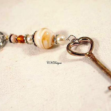 Beaded Keyring. Key Charm, Glass Beads, Glass Paerls, Beaded Keyring. OOAK Handmade Keychain. CKDesigns.US