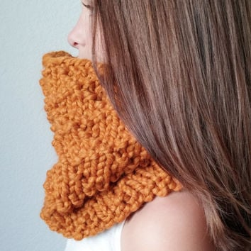 THE TAHOMA  -  Knit Chunky Cowl - Snood