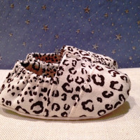 "Fitted Snow Leopard Linen Baby ""Toms Style"" Shoes handmade for Etsy by Scarlettos"