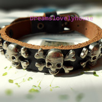 Spring Gift, Skull Charm Bracelet, Metal Rivet Charm, Popular Bank, Punk Rock, Heavy Metal, Natural Texture Leather, Metal Buckle  P-4
