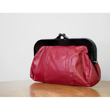 Red Leather Clutch / 1970s Purse / Leather Handbag / 70s Purse / Snap Clutch / Red Purse / Leather Clutch / Small Purse / Red Clutch
