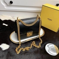 Kuyou Gb99822 Fendi 01181 Kan U Envelope Chain Flap Bag In Black Smooth Leather 19*9*15cm
