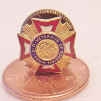 US Veterans of Foreign Wars Pin Military Service Medal Unisex Jewelry Accessories
