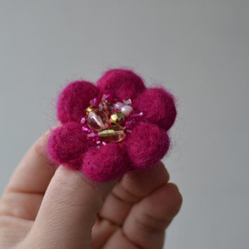 Little Needle Felted Brooch Hot Pink Wool Felt Flower, Small Felt Flower Pin,Flower Brooch, Felted Flower,Corsage Brooch,Woolen Brooch
