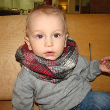 Christmas Plaid Baby Infinity Scarf, Red Flannel Toddler Infinity Scarf, Cream Grey Toddler Boy Christmas Photo Outfit Fall Winter Fashion