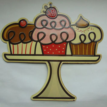 Open Road Brands 3 Cupcakes on Cake Plate Tin Metal Sign Wall décor Vintage