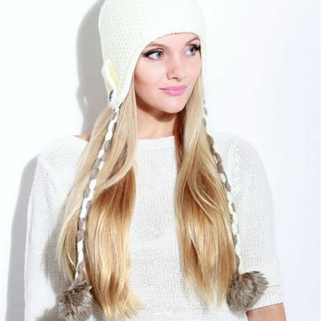 Crocheted Hat Womens,White Pompon Hat,Autumn Collection,White for Woman.