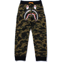 1ST CAMO SHARK SWEAT PANTS