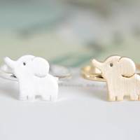 Cute elephant ring ; everyday ring ; wired ring ; chic , modern and delicate ; gold and silver, adjustable size, sizable ring