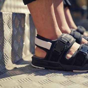 DCCK1IN new balance velcro sport sandals