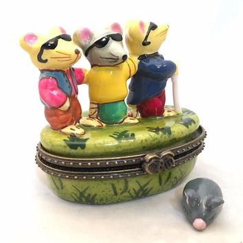 Three Blind Mice Fairy Tale Miniature Porcelain Trinket Box 2.25H