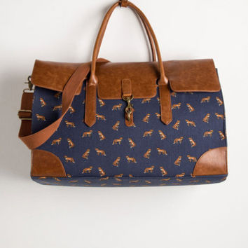 Clever Endeavor Weekend Bag in Fox | Mod Retro Vintage Bags | ModCloth.com