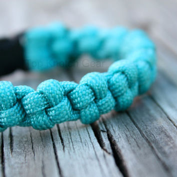 The Japan Paracord Bracelet Custom Colors by TopKnotchGear