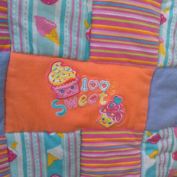 Sale Cupcake Baby Quilt, Dessert Quilt, Cupcake Crib Quilt, Popsicle Quilt, Baby Girl Quilt, Car Seat Quilt, Naptime Quilt,100% sweet!