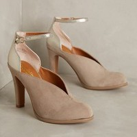 Seychelles Flute Heels in Clay Size: