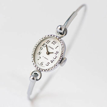 Vintage evening watch bracelet Seagull, oval face women's watch bracelet tiny, cocktail watch gift, Soviet ladies fashion watch for party