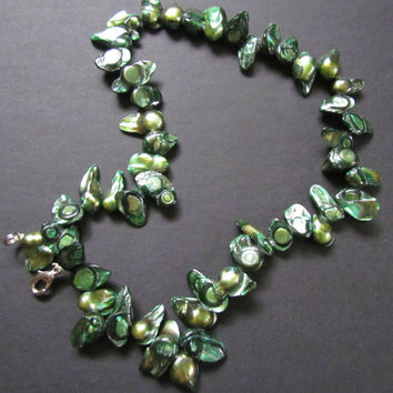 Emerald Green Freshwater Blister Pearls Women's Necklace~brilliant greens~short necklace~beautiful statement piece of jewelry~