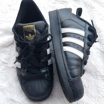 Adidas superstar white black w/ rare GOLD emblem