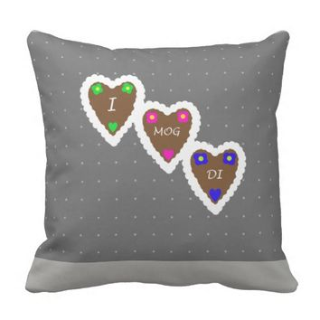 I Mog Di Lebkuchenherz German Gingerbread Hearts Throw Pillow