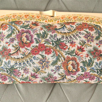 Lady of the Canyon | Vintage 1970s Floral Tapestry Clutch Purse with Floral Printed Plastic Frame Kiss Lock