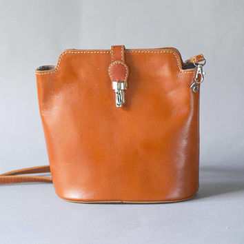 Caramel Brown Shoulder Bag Mint Condition. Vintage Shoulder Bag Italy made. Cross Body Bag Rectangle. Girl Bag Retro Phones Bag Tan Leather