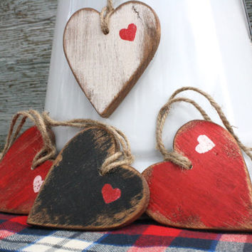 FREE SHIP Rustic Wood Hearts Valentine's Day Ornaments Hanging Distressed Tags Sign Set