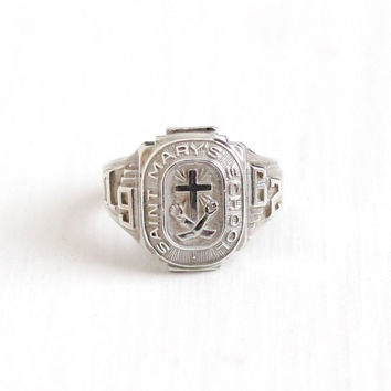 Vintage Sterling Silver Saint Mary's School 1962 Class Signet Ring - Retro 1960s Size 7 Cross Motif Religious Education Graduate LGB Jewelry