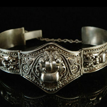 Antique Chinese Foo Dog Silver Etruscan Vintage jewelry Bracelet