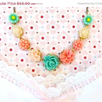 ON SALE Last One - Annie Sweet Necklace -