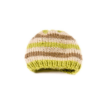knitting hat, green hat, brown lines