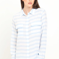 Equipment Slim Signature Shirt in Periwinkle Blue