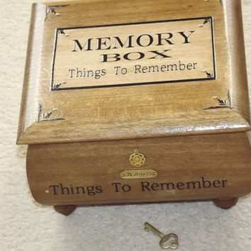 DELUXE** MEMORY LOCK B0X. Oak. Rustic Solid wood. Handmade box. Memories. Can be Personalised. Keepsake box, Affirmation Box. Keepsake box.